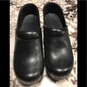 NEW Dansko Pro Black Leather mule sz 38 7.5-8